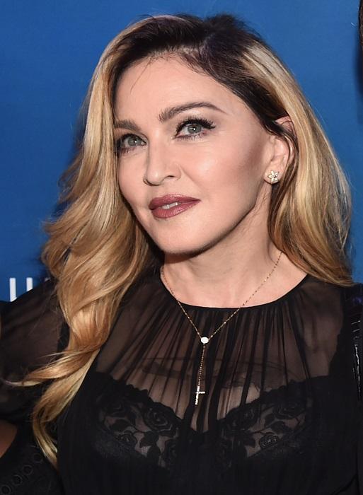 Американская певица и танцовщица добилась популярности благодаря таланту, характеру и, конечно, внешности.