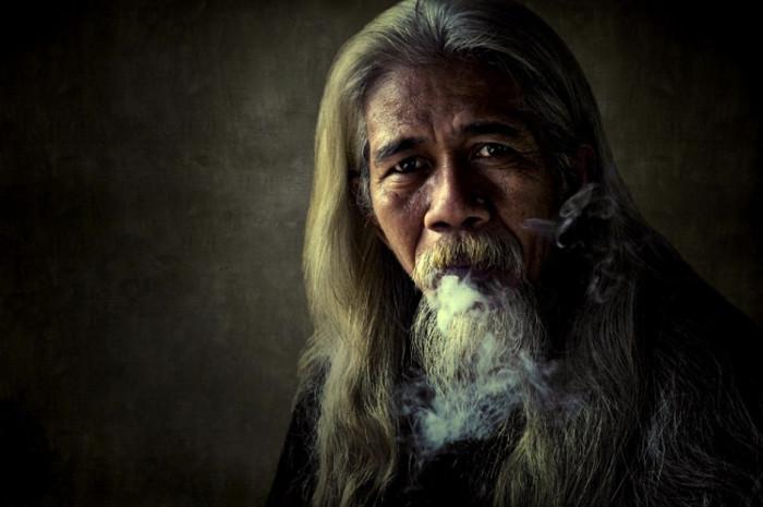 Наставник с мудрым взглядом. Фотограф: (Thaib Chaidar).