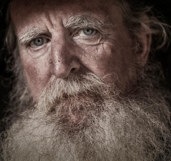 Роберт с седой бородой. Фотограф: Глинн Лаванды (Glynn Lavender).