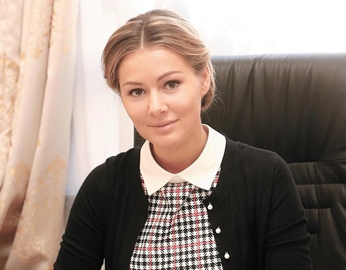 Российский политик и актриса не уступает своим поклонникам и не выкладывает в открытый доступ фотографии своего мужа Евгения Васильева.
