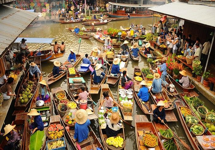 Самый знаменитый тайский рынок на воде — Damnoen Saduak (Дамноен Садуак), Ратчабури, Таиланд.