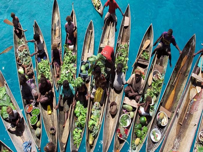 Плавучие рынки на Соломоновых островах не настолько известны, как в Юго-Восточной Азии, поэтому знакомство с повседневной жизнью достаточно любопытно.