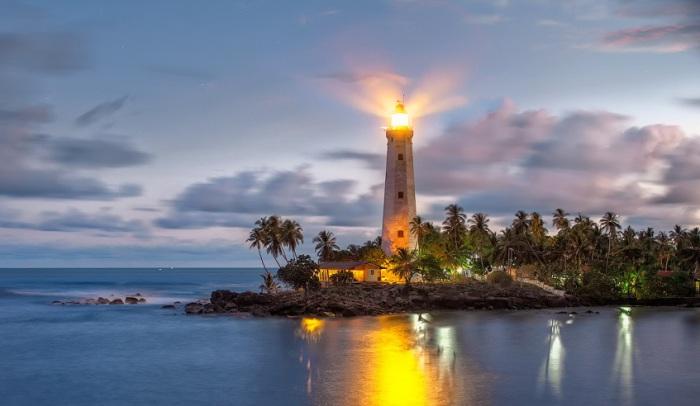 Маяк построен британцами в 1889 году и до сих пор служит во благо судоходства, а так-же является исторической достопримечательностью и открыт для просмотра туристам.