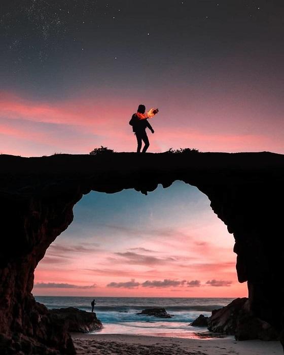 Главная проблема современного человека – одиночество, которое приносит с собой печаль и страдания.