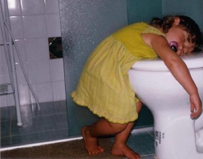 Шла в туалет и резко притомилась.