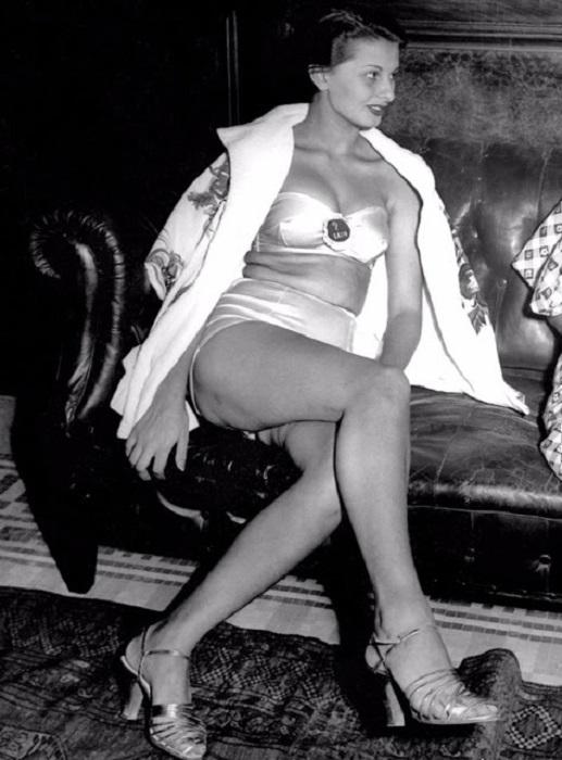 Внешность юной Софии Шиколоне произвела должное впечатление на строгих судей конкурса красоты.