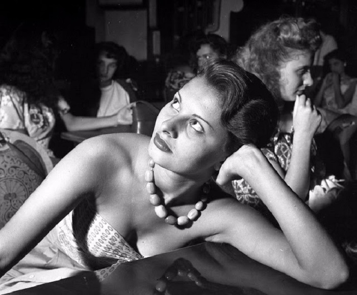 Возможно, именно благодаря конкурсу «Мисс Италия 1950» будущая актриса смогла поверить в свои силы и вскоре стать обладательницей множества почетных премий.