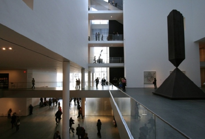 Первый и наиболее представительный музей современного искусства в мире.