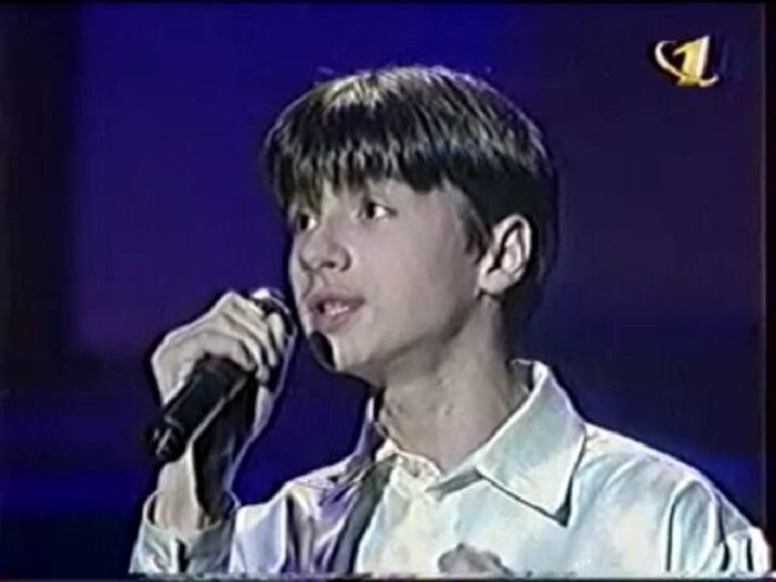 В 1997 году 14-летний Сергей стал победителем в вокальном туре музыкальной телепрограммы «Утренняя звезда».