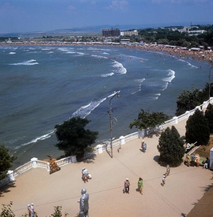 Город-курорт на черноморском побережье Краснодарского края.