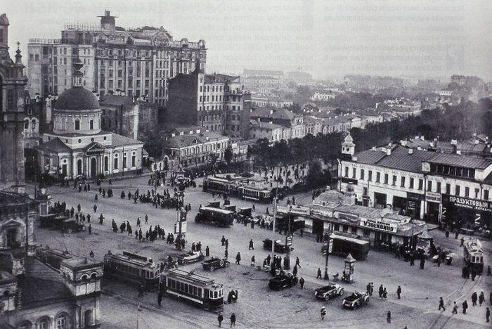 "Фото 1924 г. Н. Петрова. Вид на Страстную площадь из здания ""Известий""."