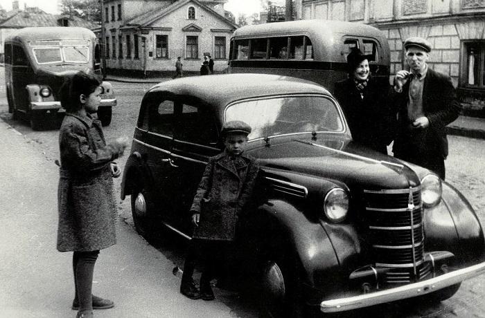 Ретро фотографии столицы России разных лет.