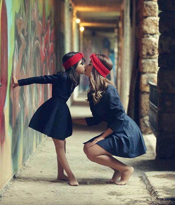 Девочки вольно или невольно копируют своих мам.