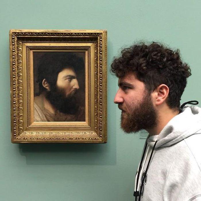 Та же борода, те же волосы и разница между двойниками – половина века.