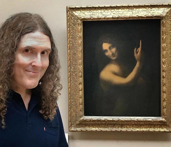 И эти доказательства выставлены на обозрения в Лувре, интересно - в чем секрет?