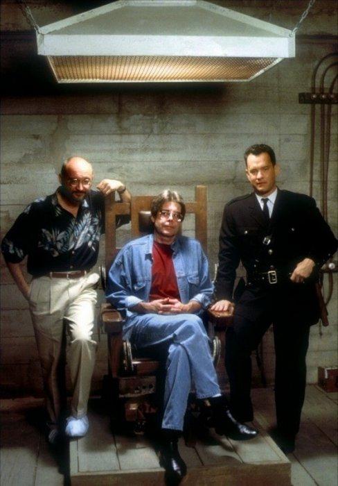 Режиссер фильма Фрэнк Дарабонт, автор романа Стивен Кинг и актер Том Хэнкс, сыгравший в фильме одну из главных ролей.