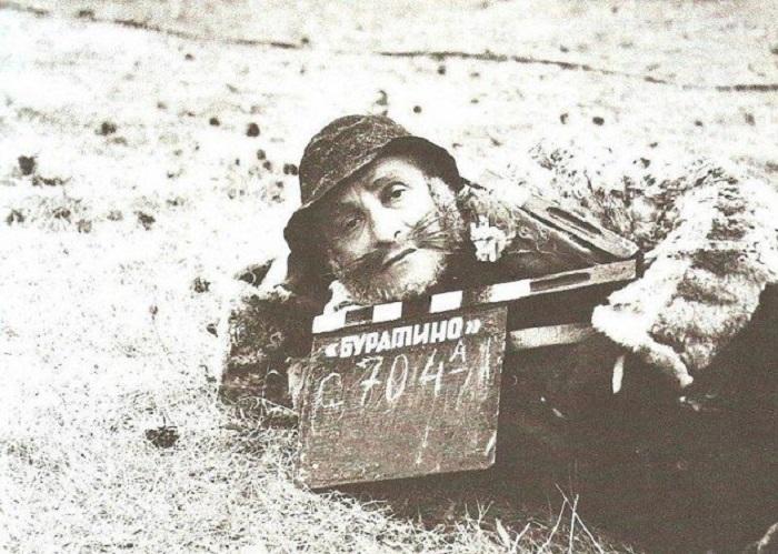 Ролан Антонович Быков в роли отъявленного мошенника кота Базилио.
