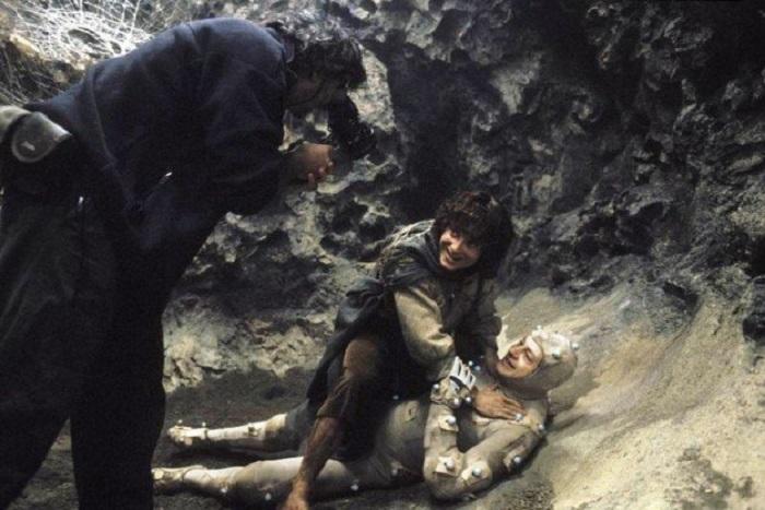 Вот как выглядел поединок Фродо Бэггинса, которого сыграл Элайджа Вуд, без спецэффектов.