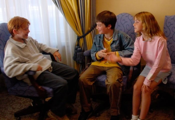 Первая встреча главных маленьких актеров – Руперта Грина, Дэниела Рэдклиффа и Эммы Уотсон.