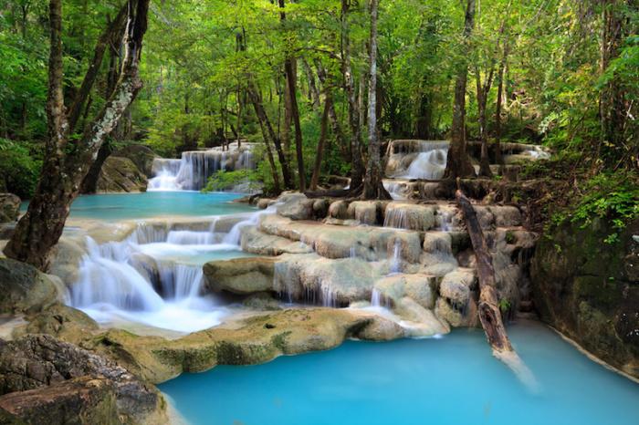 Одна из главных достопримечательностей парка является водопад Эраван, семи-уровневый водопад назван в честь слона из индийской мифологии.