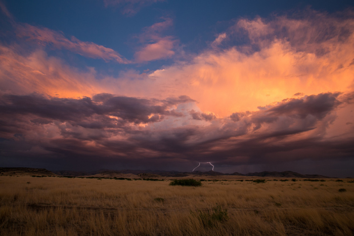 Молнии в горах Чирикауа. Автор фотографии: Ларри Ривз.
