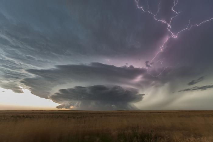 Эпическая буря. Автор фотографии: Роджер Хилл.