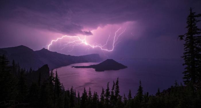 Буря над кратером. Автор фотографии: Датсон Чад.