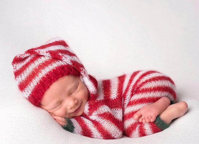 Фотография, как нельзя лучше демонстрирует нежный возраст младенчества.