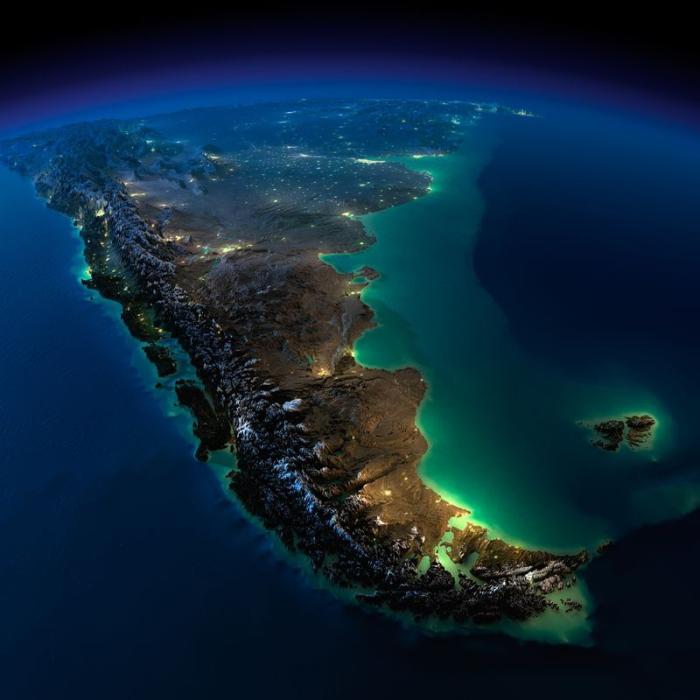 Фотоснимок ночной Земли из космоса.