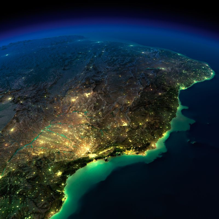 Взрыв жизни и движения на южном краю Америки.