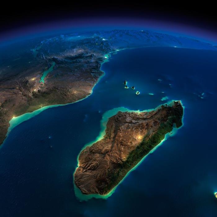 В эту тихую ночь открылся удивительный вид на Африку и Мадагаскар.