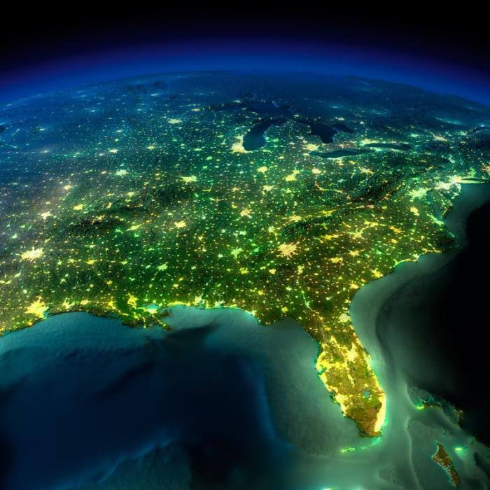Ночной вид на Северную Америку из космоса.