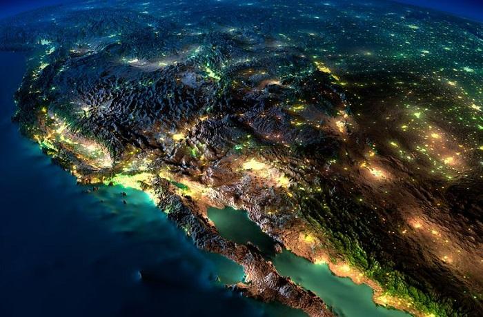 Удивительных фотографий ночной Земли из космоса.