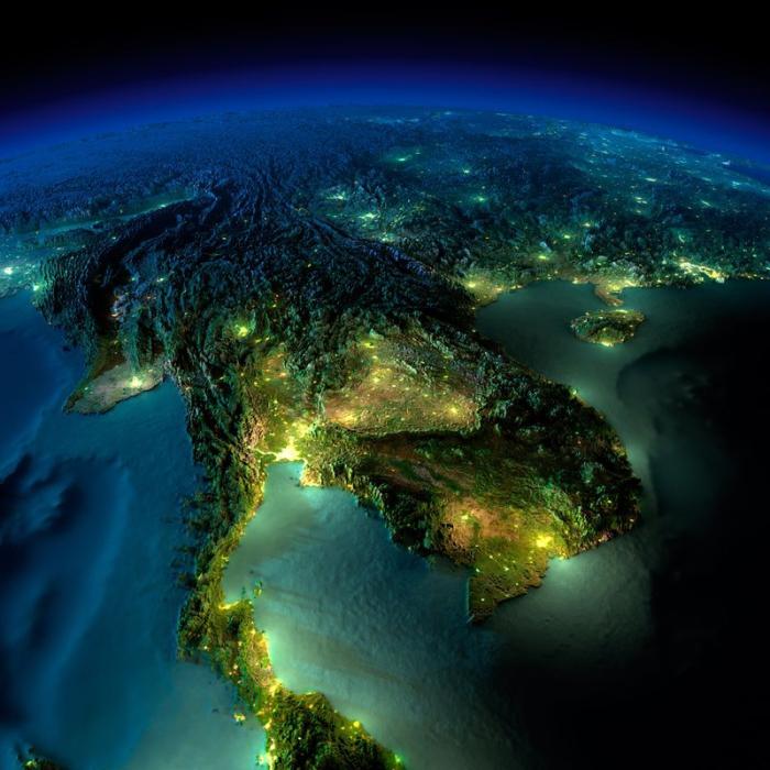 Города, технологии, дороги, маяки – всё это следы нашего пребывания на планете, которые видны из космоса.