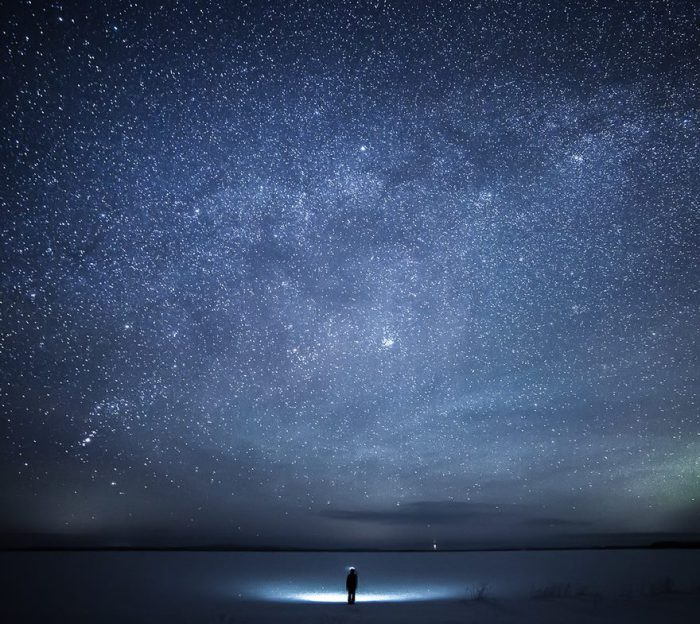 Перед тобой расстилается карта звездного неба и ты понимаешь, как ты мал в этом бренном мире.