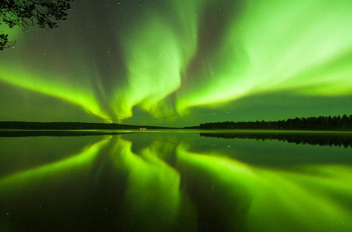 Северное сияние возможно увидеть до мая месяца.