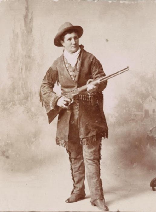 Знаменитый американский скаут, более известная как Бедовая Джейн, участвовала в нескольких военных кампаниях в ходе конфликтов с индейцами.