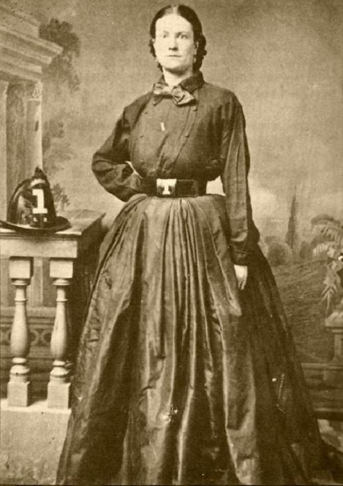 Одна из «накрашенных леди», которая жертвовала большие суммы денег шахтерам, попавшим в трудные условия, и оказывала помощь жертвам эпидемии гриппа.