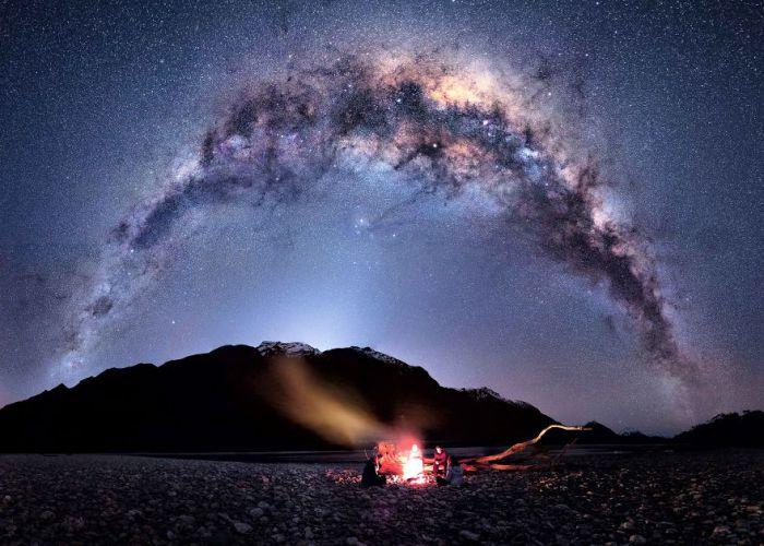 Звездное зарево над головой.