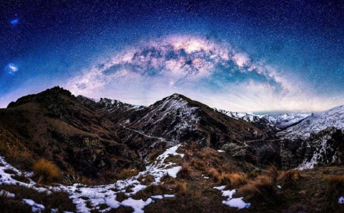 Каньон является историческим и живописным ущельем около 22 км в длину, который находится в нескольких километрах к северу от Квинстауна.