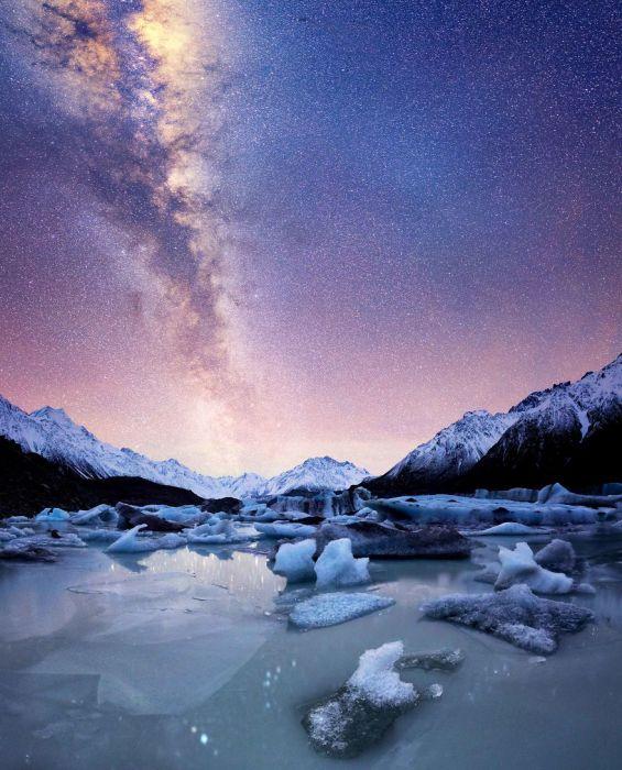 Сложный долинный ледник, крупнейший в Новой Зеландии.