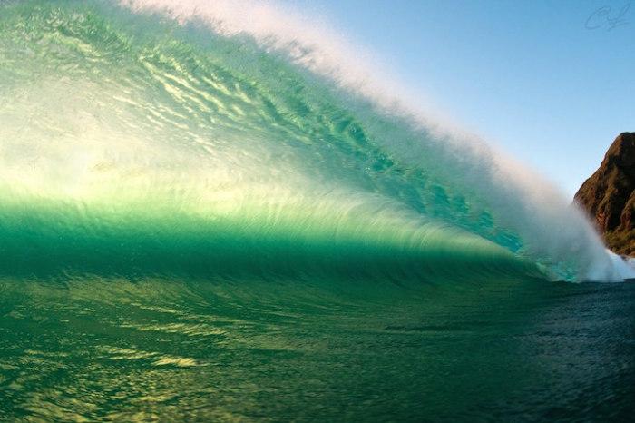 Необъятность, сила и непостижимость океана.