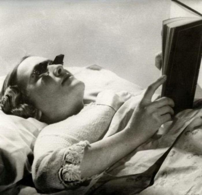 Очки для чтения лежа, (Англия, 1936 год).