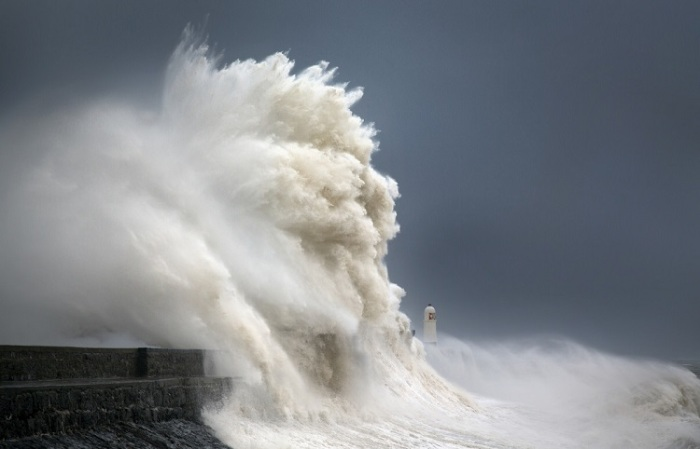 Небольшой береговой маяк бессменно «стоит на посту» на протяжении 158-ми лет.