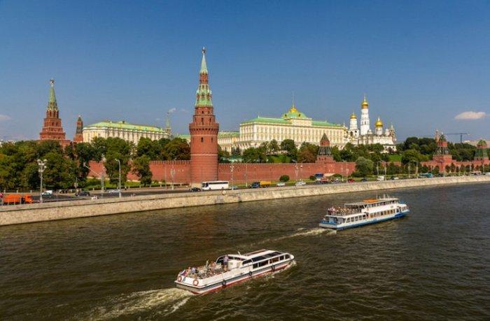 Официальная резиденция президента России, исторический и культурный комплекс в центре Москвы.
