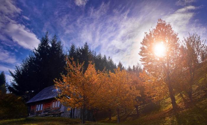 Горный воздух, природа наполнены феерическим светом и свежестью.