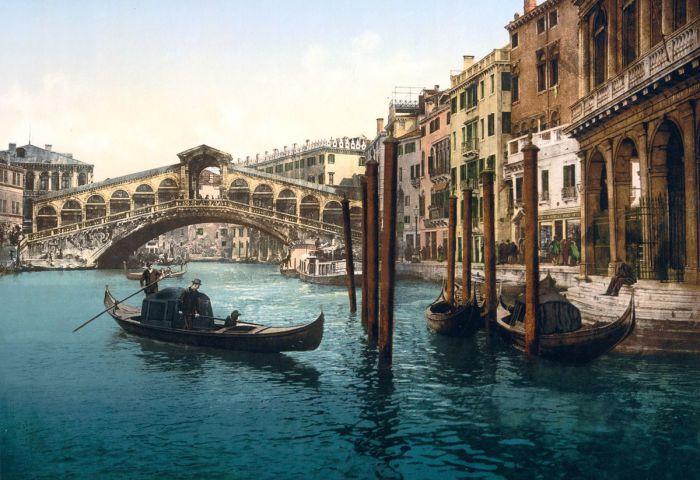 Самый первый мост Венеции.