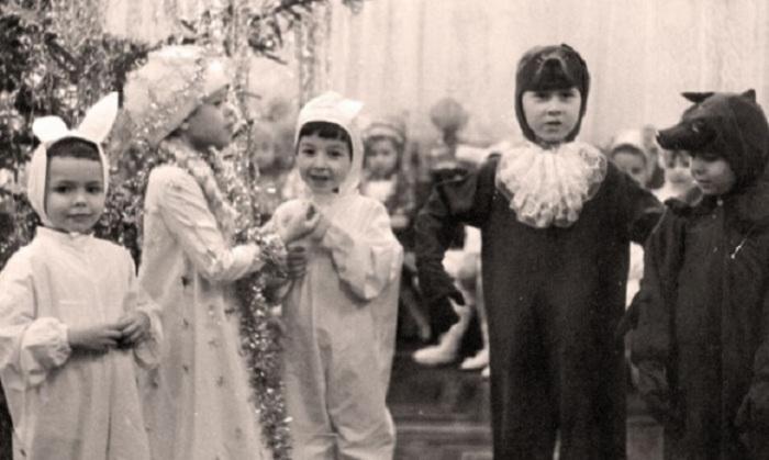 У нас были лучшие новогодние костюмы, сшитые нашими родителями.