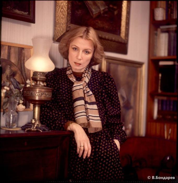 В 1968 году Алла Демидова по итогам опроса журнала «Советский экран» названа самой перспективной актрисой.