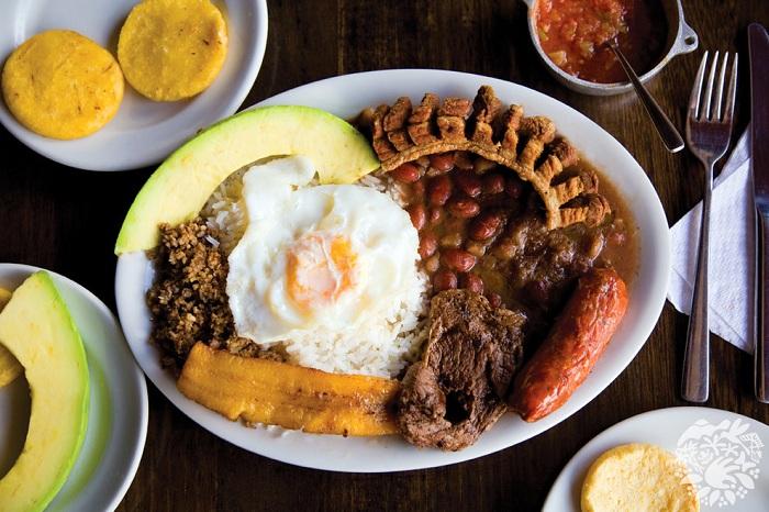 В каждом регионе Колумбии - своя кухня, тесно связанная с сельским хозяйством.